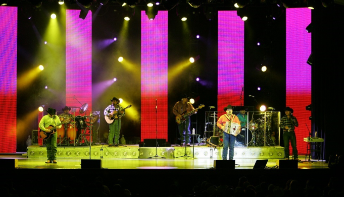 Intocable at Thelma Gaylord Performing Arts Theatre